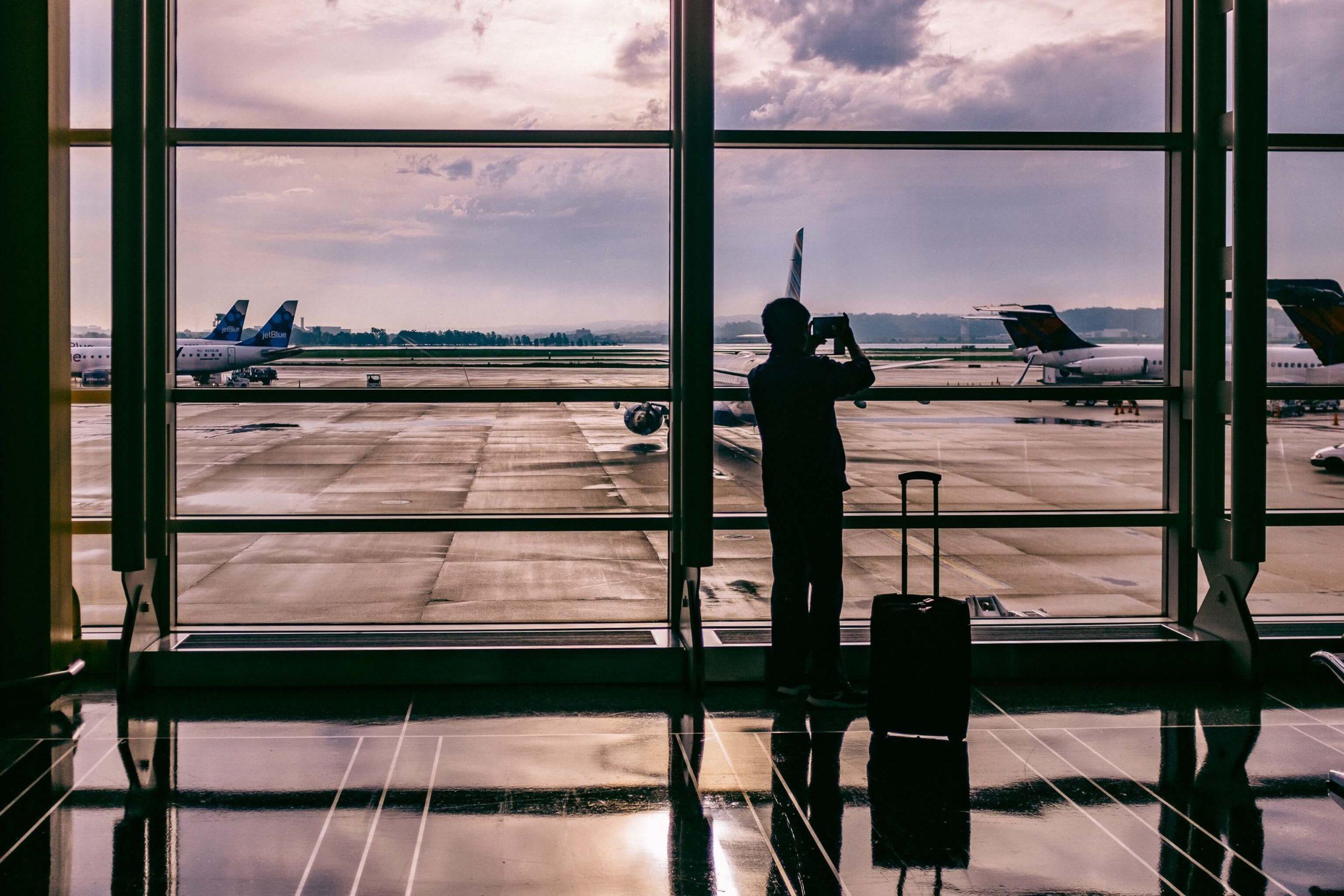 Protocolo IATA, viajar en avión después del coronavirus – Bichito viajero