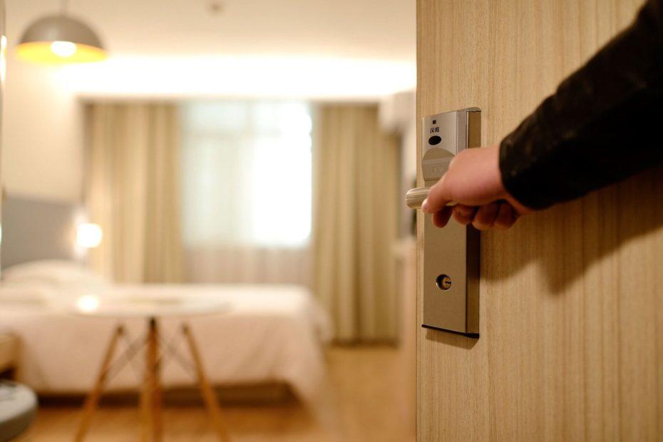 Protocolos para reapertura de hoteles, alojamientos turísticos y restaurantes - Bichito viajero